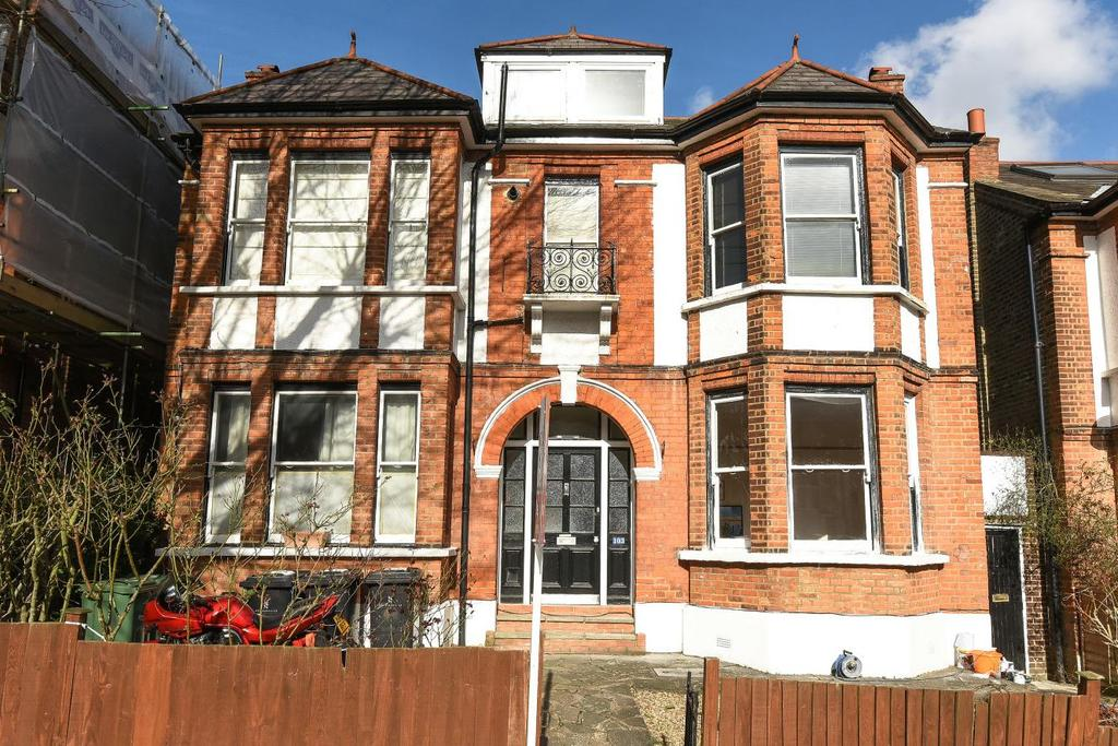 2 Bedrooms Flat for sale in Thornlaw Road, West Norwood, SE27