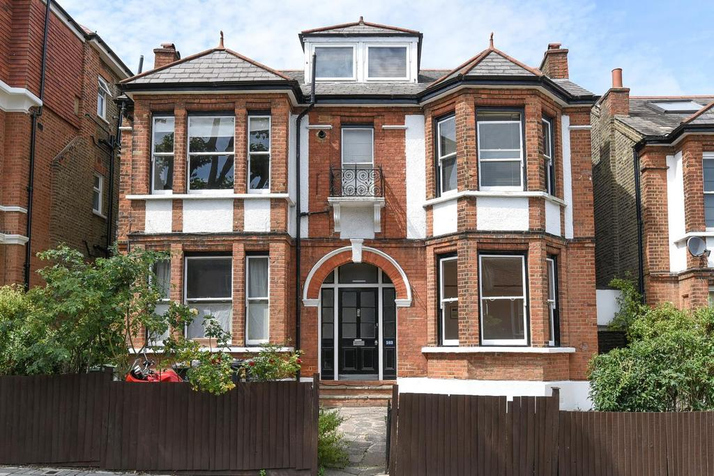 2 Bedrooms Flat for sale in Thornlaw Road, West Norwood