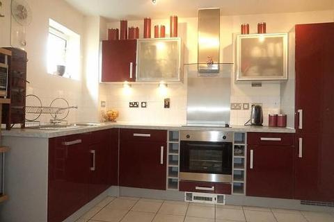 2 bedroom flat to rent - Jupiter Court, Cippenham, Slough, SL1