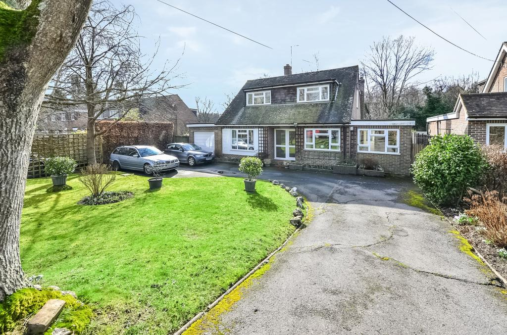 4 Bedrooms Detached House for sale in Lower Station Road, Newick, BN8