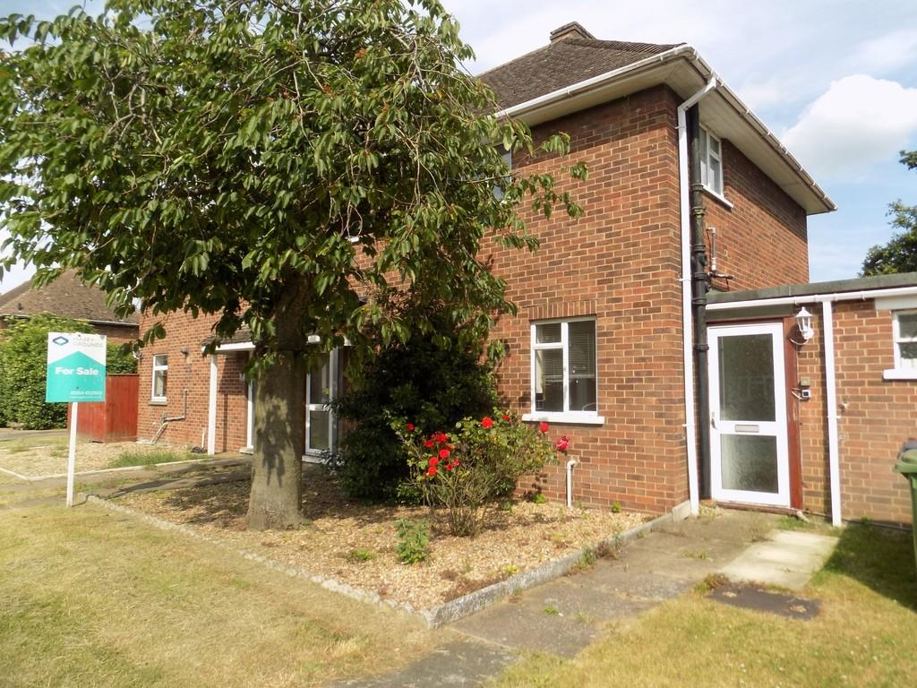 3 Bedrooms Semi Detached House for sale in Russell Avenue, March