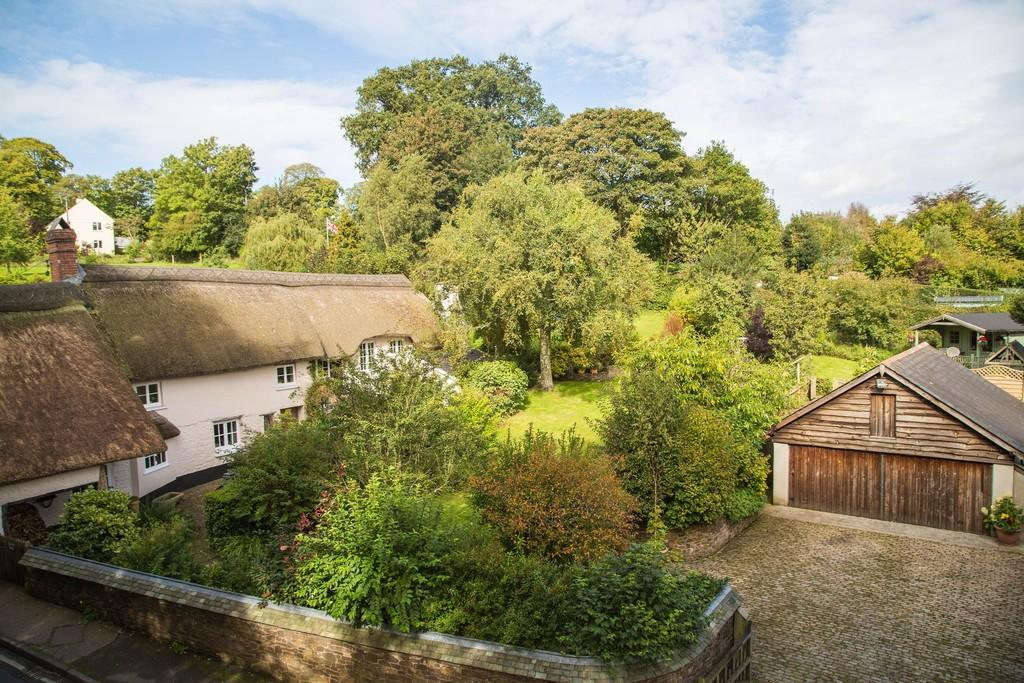 4 Bedrooms Detached House for sale in Rectory Hill, Sampford Courtenay, Okehampton