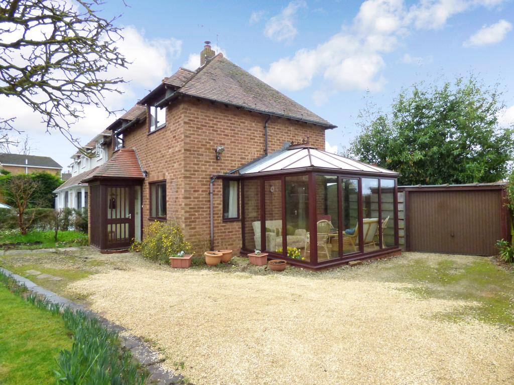 2 Bedrooms Semi Detached House for sale in Church Road, Snitterfield, Stratford-Upon-Avon
