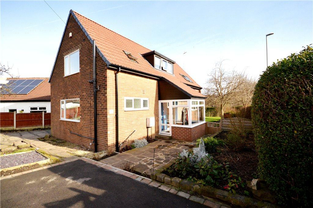 3 Bedrooms Detached House for sale in Tong Road, Leeds