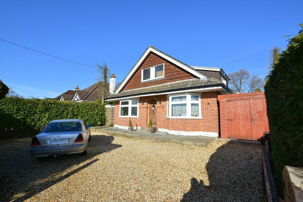 4 Bedrooms Chalet House for sale in Ringwood Road, VERWOOD