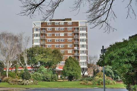 3 bedroom apartment for sale - Amberley Court, Bath Road, Bournemouth