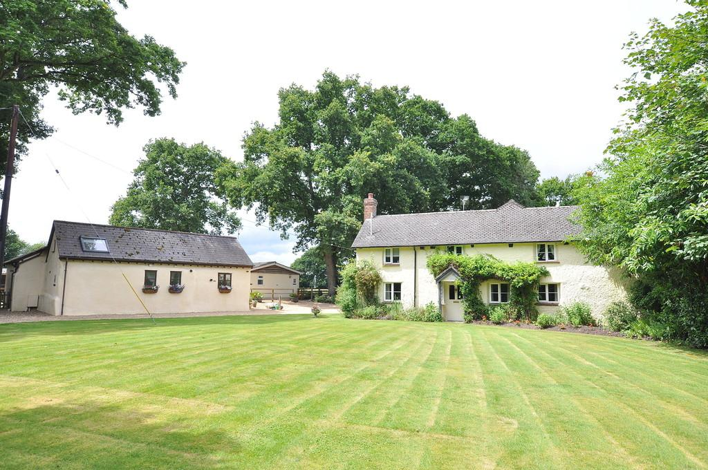 5 Bedrooms Cottage House for sale in Cottage Farm, Verwood Road, Three Legged Cross,