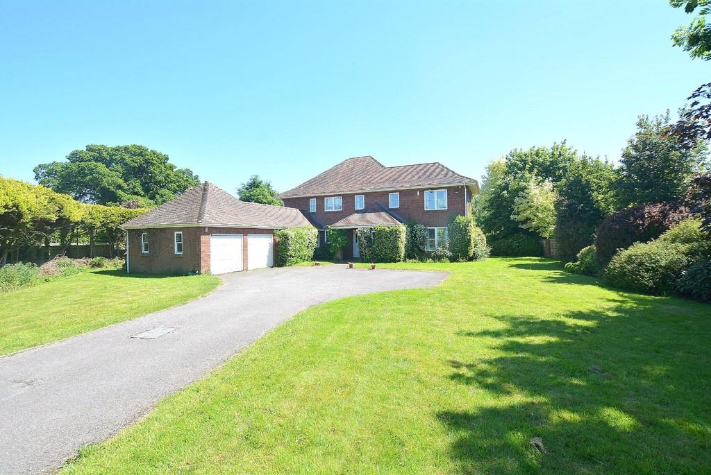 4 Bedrooms Detached House for sale in Dullar Lane, Sturminster Marshall