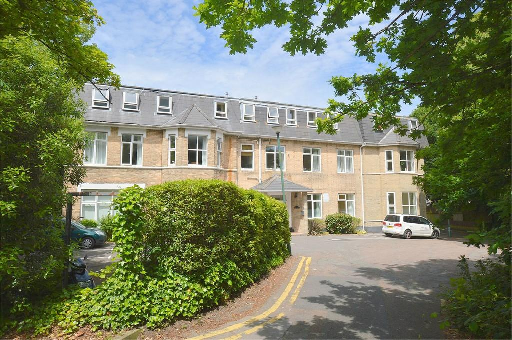 2 Bedrooms Apartment Flat for sale in Wootton Heights, Wootton Mount, Bournemouth