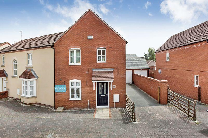 3 Bedrooms Semi Detached House for sale in COTFORD ST LUKE