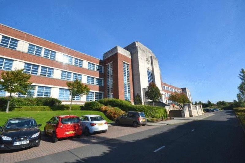 2 Bedrooms Apartment Flat for sale in THE WILLS BUILDING, Cochrane Park