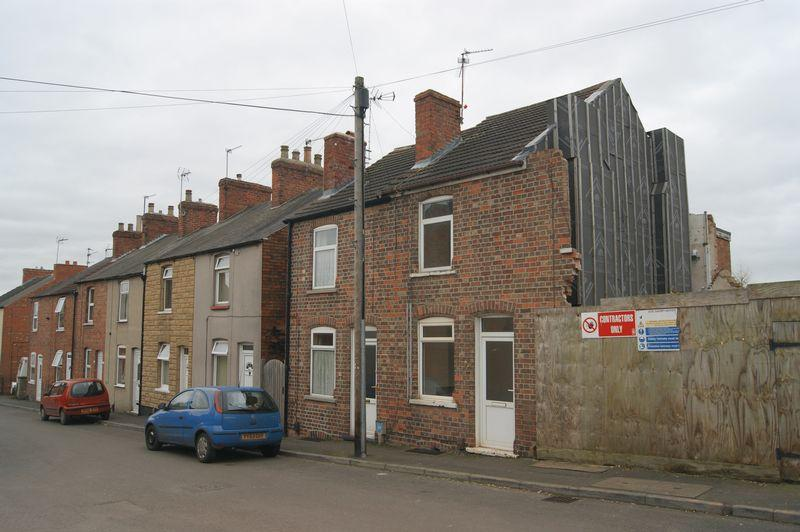2 Bedrooms Terraced House for sale in Wright Street, Newark