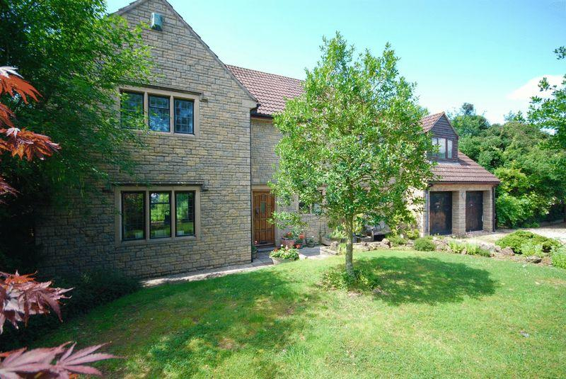 4 Bedrooms Detached House for sale in Compton Dundon - Between Glastonbury and Somerton.