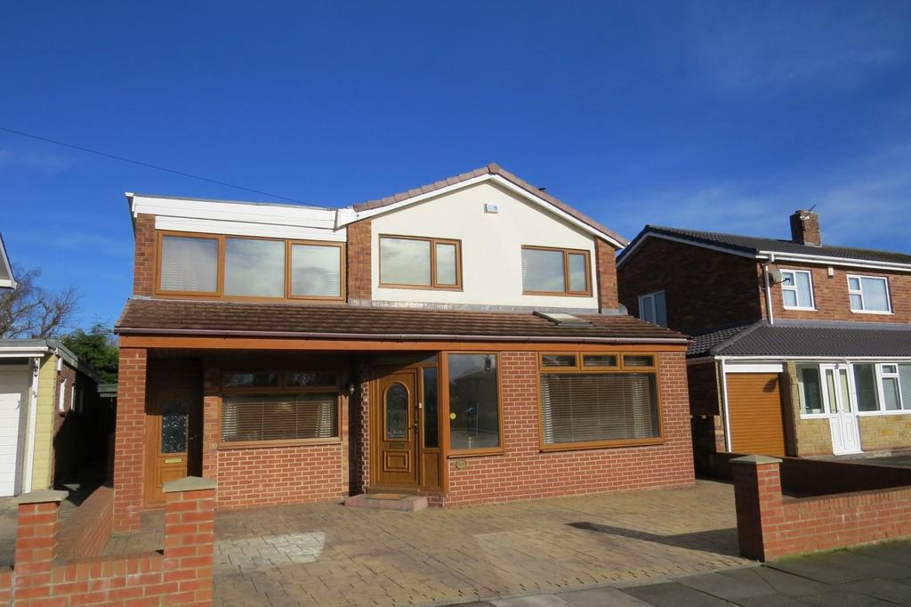 4 Bedrooms Detached House for sale in Ashington Drive, Wansbeck Estate, Stakeford