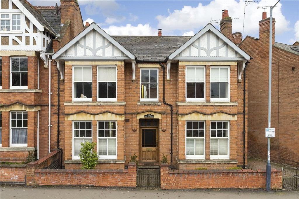 4 Bedrooms House for sale in Cape Road, Warwick, CV34