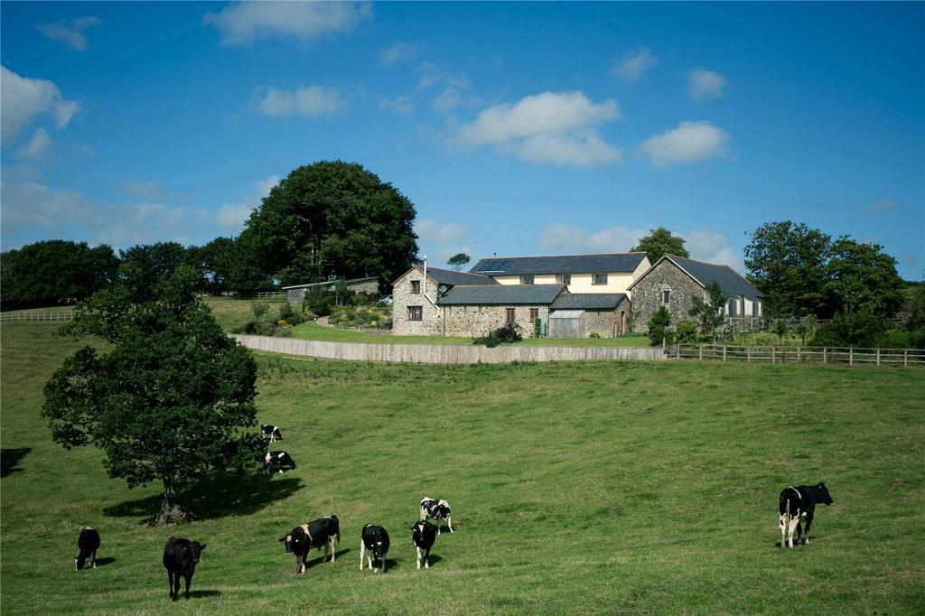 5 Bedrooms Detached House for sale in Brayford / Nr. Gunn, Barnstaple, Devon, EX32