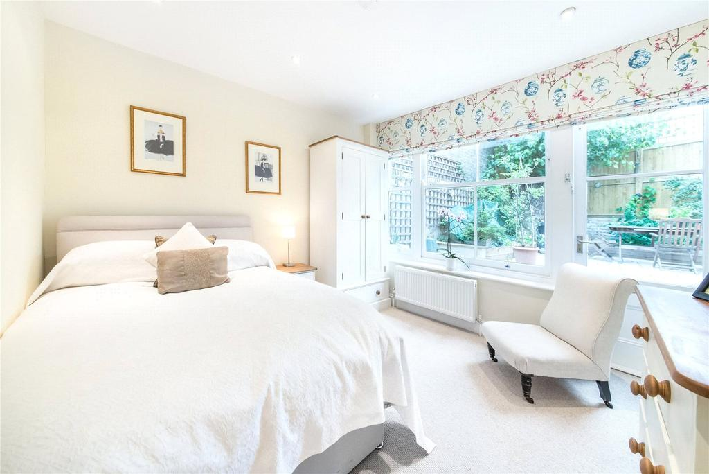 3 Bedrooms Flat for sale in Ongar Road, West Brompton, Fulham, SW6