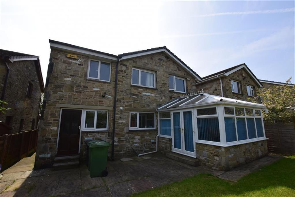 5 Bedrooms Detached House for sale in Osprey Drive, Netherton, Huddersfield, HD4