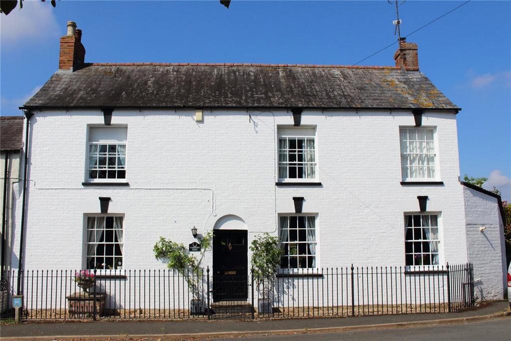 4 Bedrooms Semi Detached House for sale in Cambridge Square, Alderton, Tewkesbury, Gloucestershire, GL20