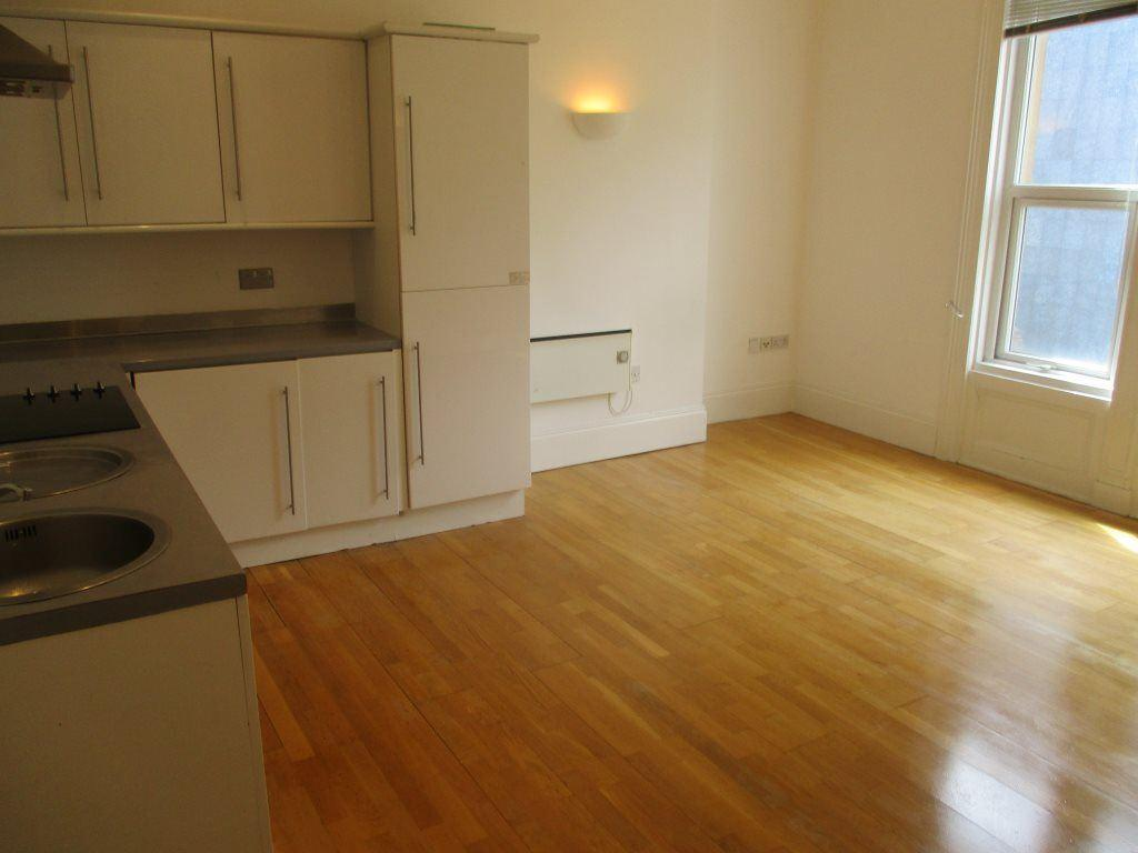 2 Bedrooms Apartment Flat for rent in Apt 3 The Steelhouse, 11 Castle Street, S3 8LT