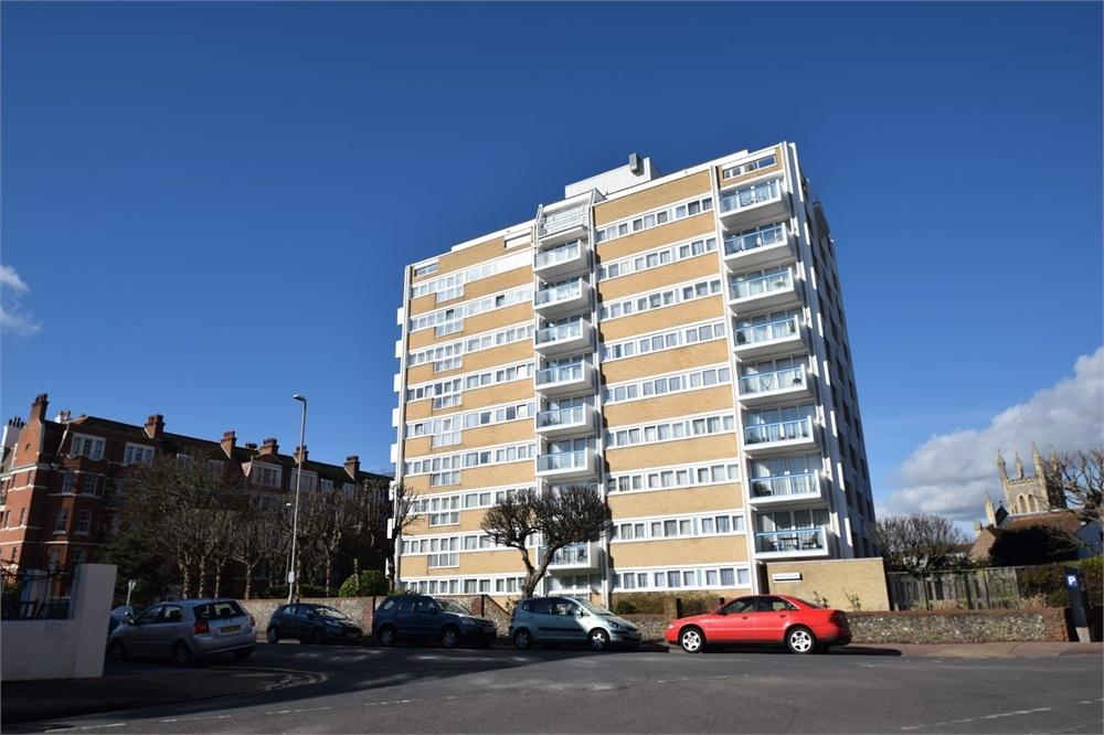 1 Bedroom Flat for sale in Hartington Place, Eastbourne, East Sussex