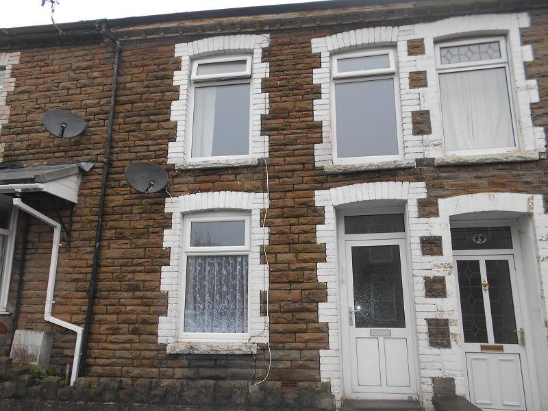 2 Bedrooms Terraced House for sale in Old Road, Skewen, Neath, Neath Port Talbot.