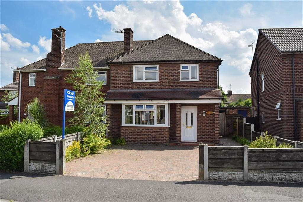 3 Bedrooms Semi Detached House for sale in Moss Drive