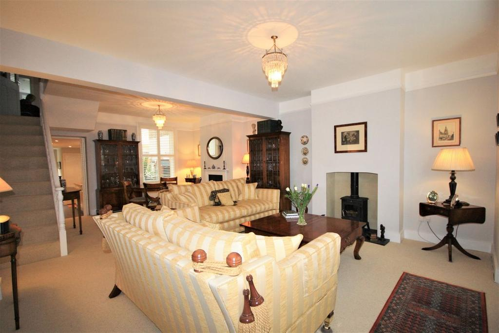 3 Bedrooms Terraced House for sale in St. Andrews Road, Deal