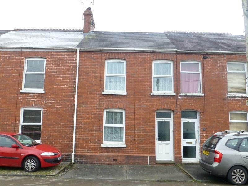 3 Bedrooms Terraced House for sale in Pantyffynnon Road, Ammanford, Carmarthenshire.