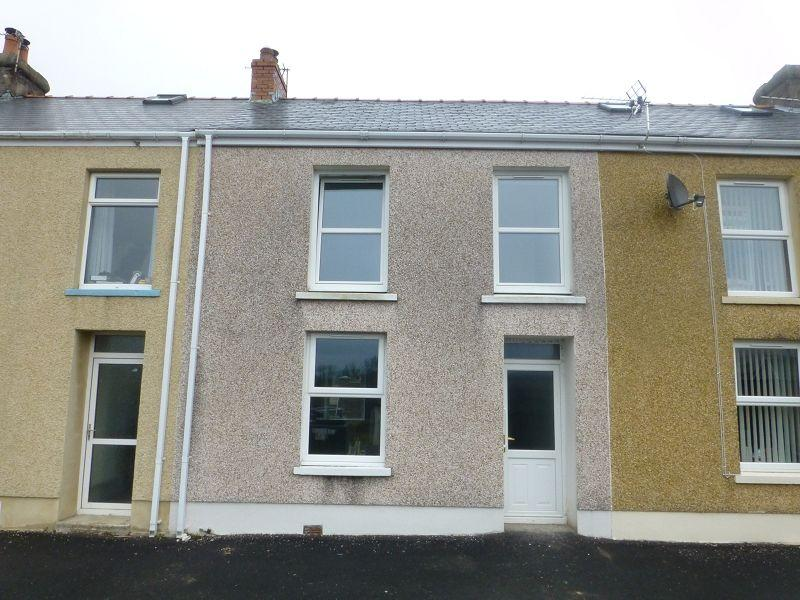 3 Bedrooms Terraced House for sale in New Road, Upper Brynamman, Ammanford, Carmarthenshire.