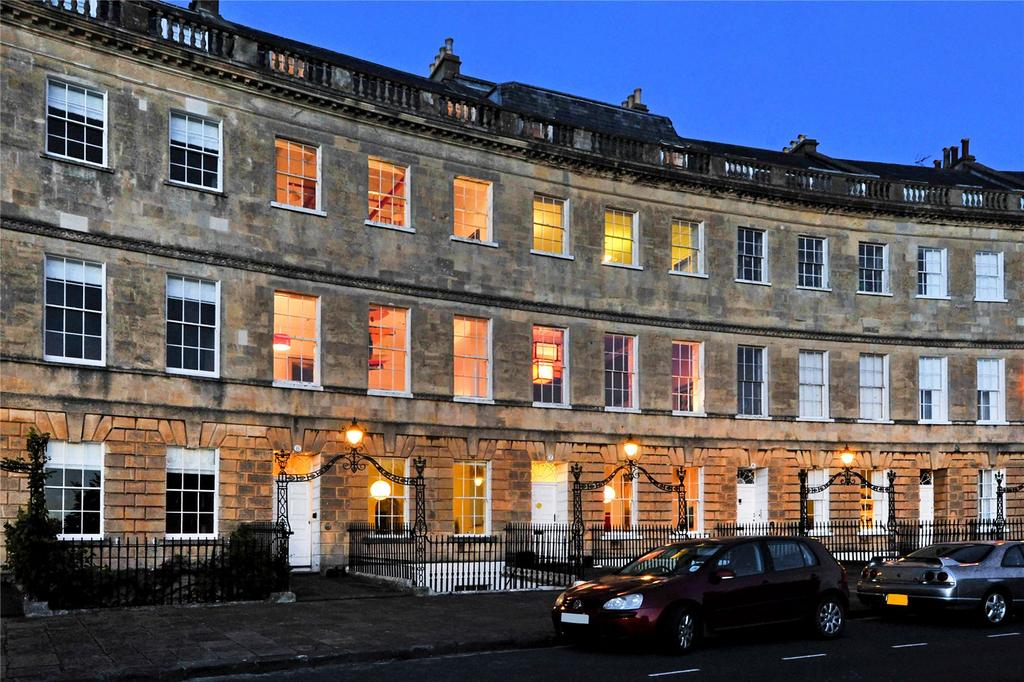 9 Bedrooms Terraced House for sale in Lansdown Crescent, Bath