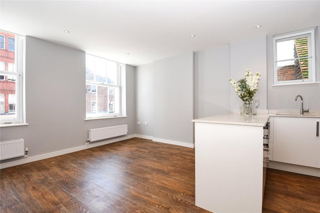 2 Bedrooms Flat for sale in Queens House Apartments, Queens Street, Salisbury, Wiltshire, SP1