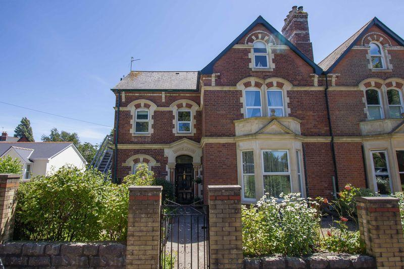 2 Bedrooms Apartment Flat for sale in Albert Crescent, Penarth