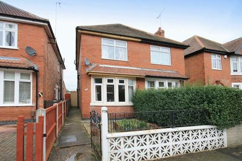 3 bedroom semi-detached house for sale - BAKER STREET, ALVASTON