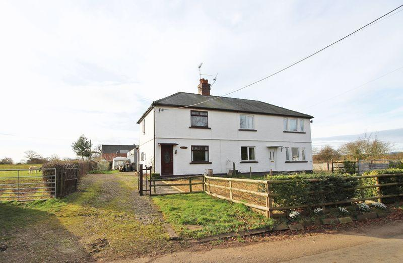 2 Bedrooms Semi Detached House for sale in Trevalyn, Wrexham