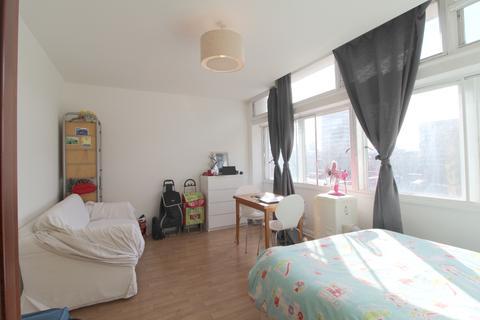 Studio to rent - Newington Causeway, Elephant & Castle, London, SE1