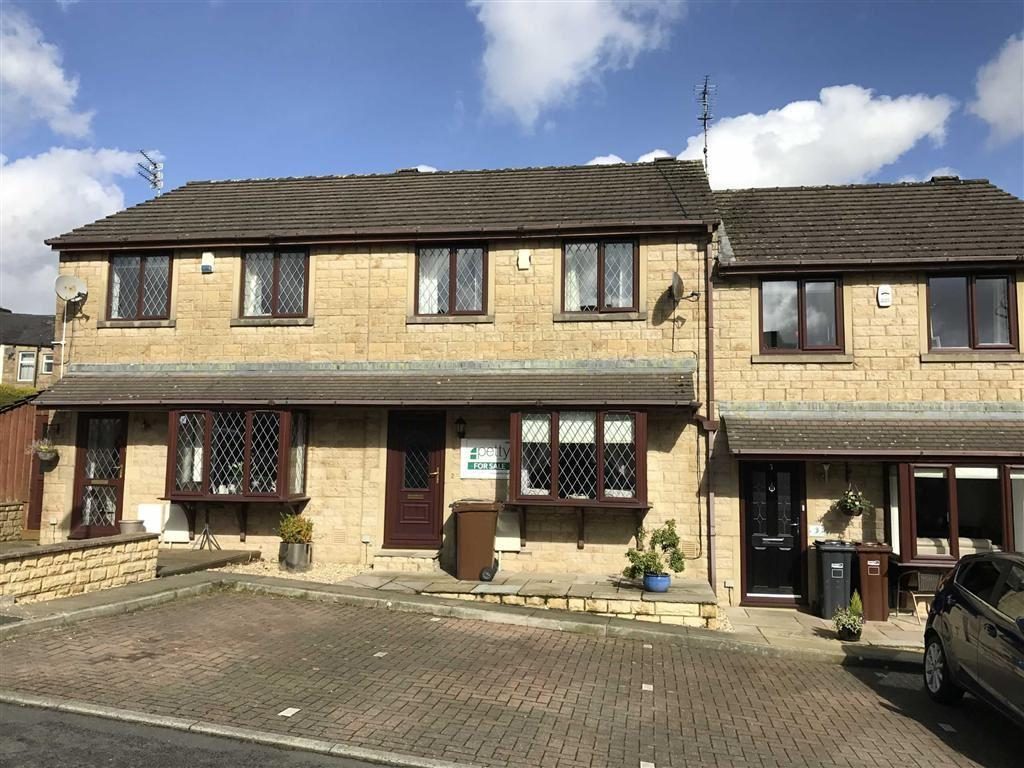 3 Bedrooms Terraced House for sale in St Michaels Court, Barrowford, Lancashire
