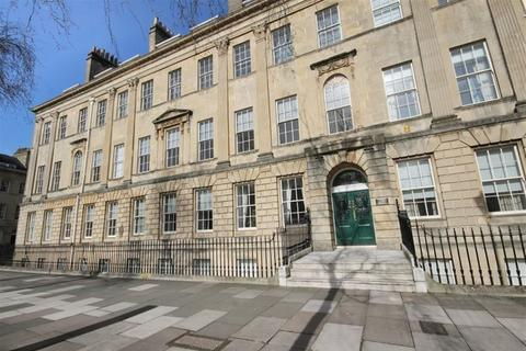 2 bedroom apartment to rent - Connaught Mansions