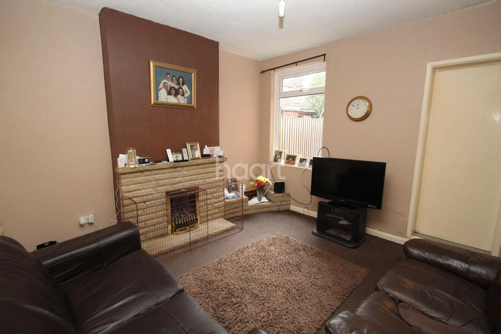 3 Bedrooms Terraced House for sale in Raymond Road, West End, Leicester