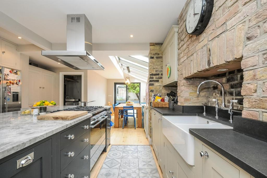5 Bedrooms Terraced House for sale in Tabor Road, Brackenbury Village, W6