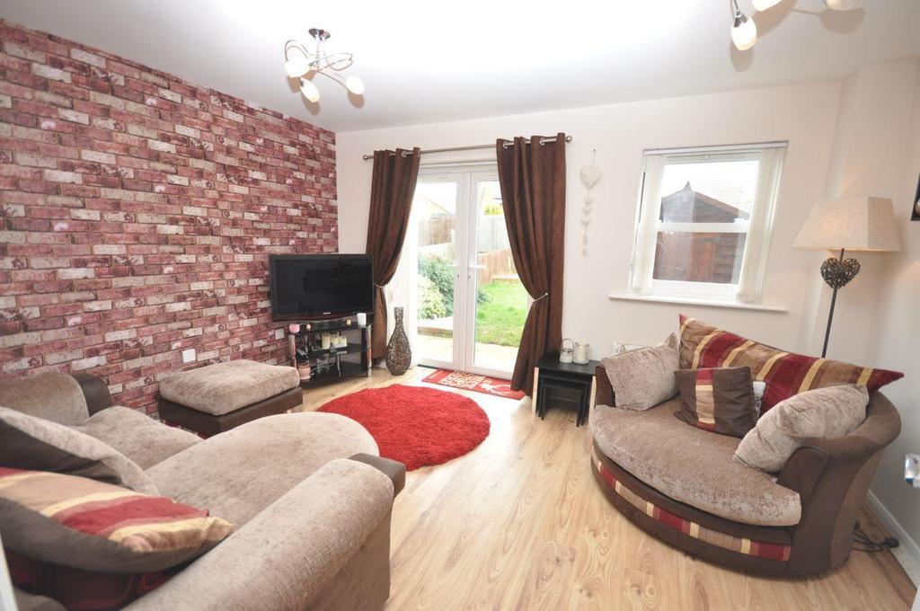 2 Bedrooms Semi Detached House for sale in Doulton Drive, Hartley Wood, Sunderland