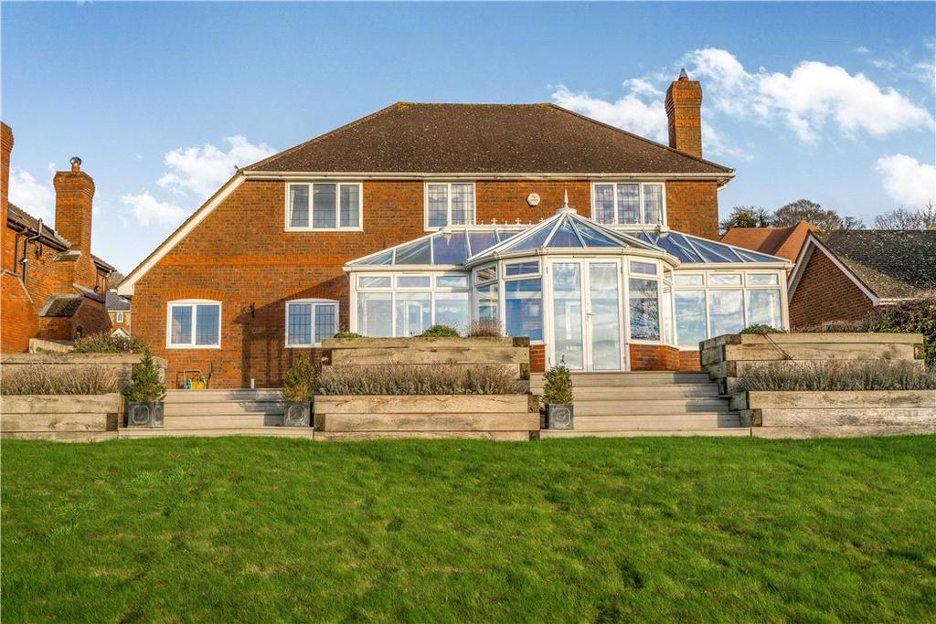 5 Bedrooms Detached House for sale in Woodbank, Loosley Row, Princes Risborough, Buckinghamshire, HP27