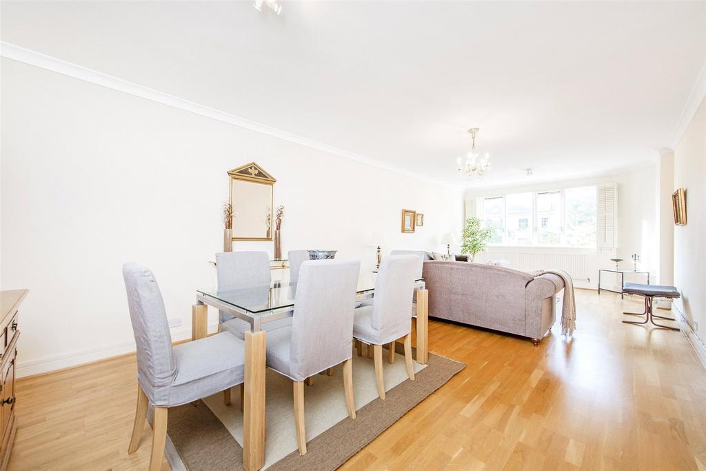 3 Bedrooms Flat for sale in Cavendish House, St John's Wood