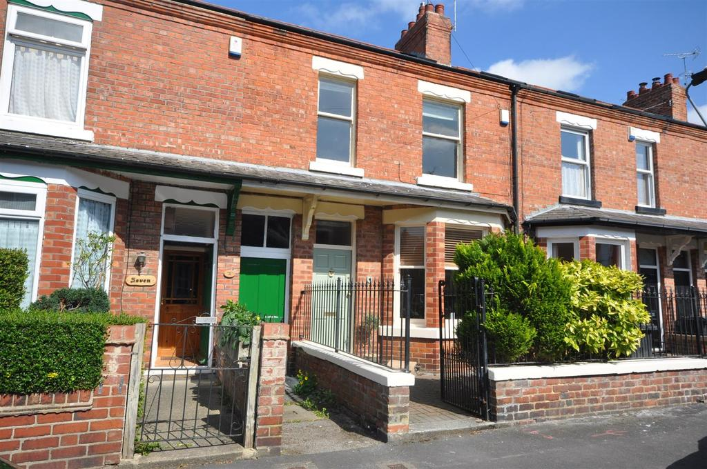 5 Bedrooms Terraced House for sale in Second Avenue, Off East Parade, York