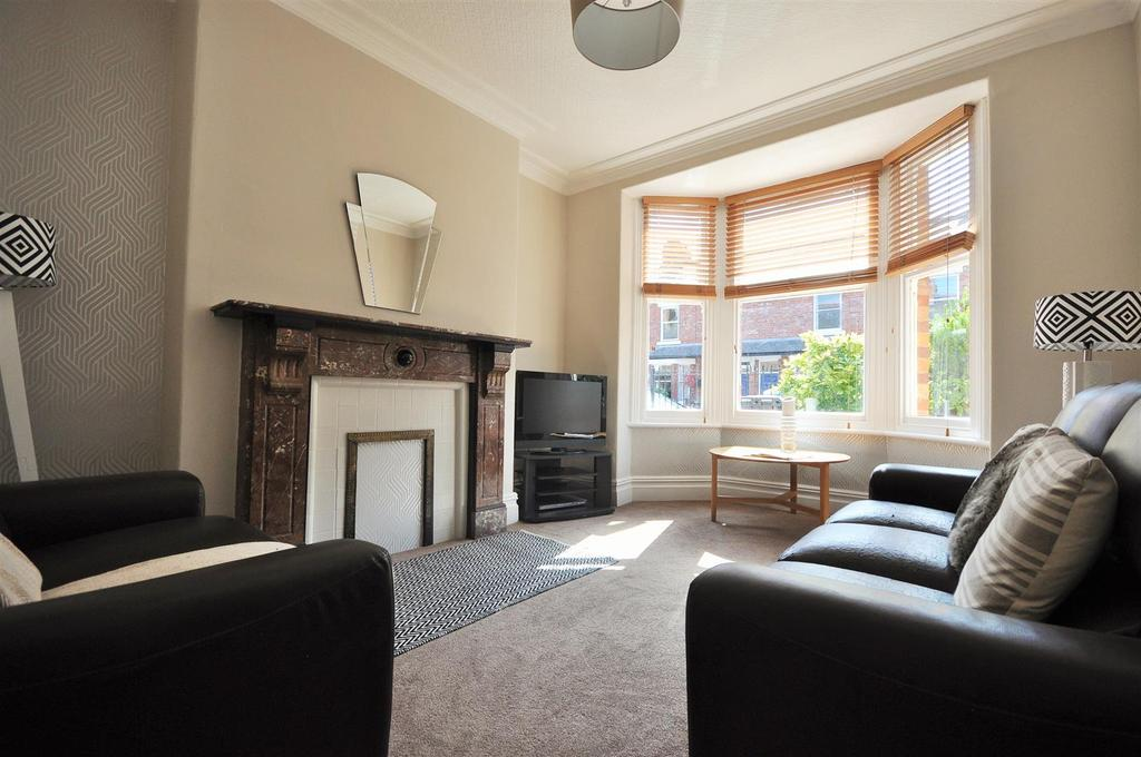 5 Bedrooms Terraced House for sale in Second Avenue, Off East Parade, York, YO31 0RS