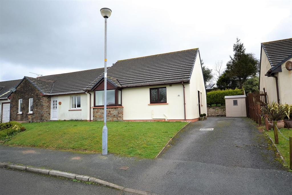 2 Bedrooms Semi Detached Bungalow for sale in Picton Close, Templeton, Narberth