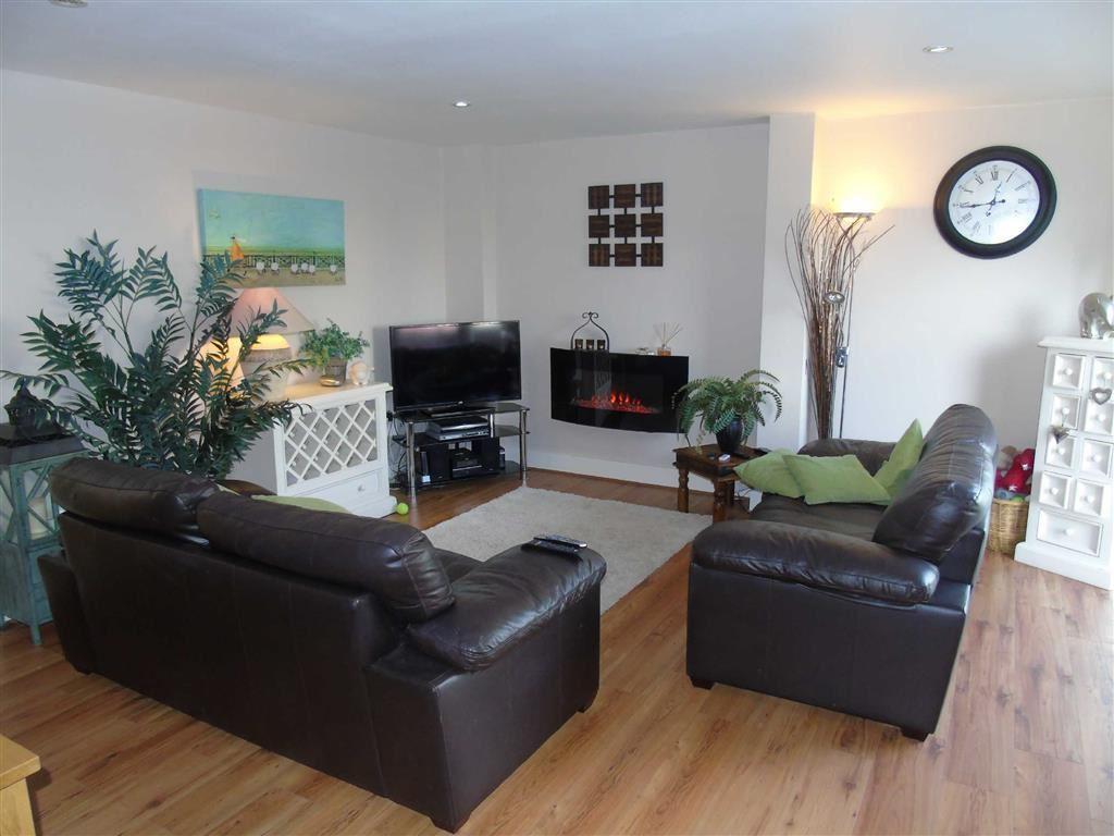2 Bedrooms Apartment Flat for sale in Altamar, Kings Road, Swansea