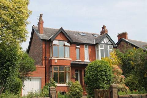 3 bedroom semi-detached house to rent - Arthog Road, Hale