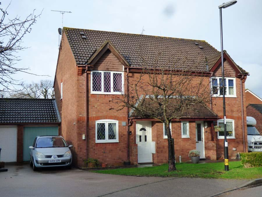 3 Bedrooms House for sale in Warelands, Burgess Hill, RH15