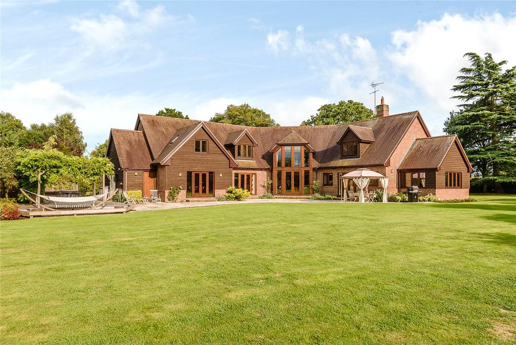 6 Bedrooms Detached House for sale in Devils Highway, Riseley, Reading
